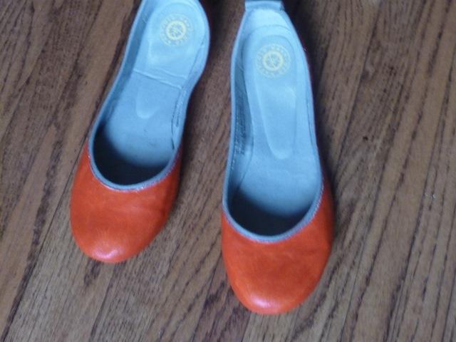 Orange Painted Shoes (2/2)